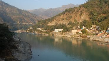 Rzeka Ganges w okolicach miasta Rishikesh