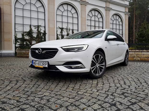 Opel Insignia Sports Tourer 2.0 CDTI 170 KM - test. Ogromne kombi Opla w trasie po Polsce