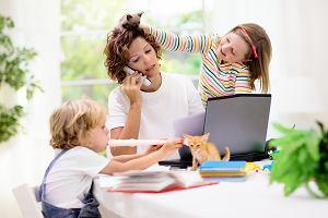 Koronawirus: dodatkowy zasiłek opiekuńczy i zmiany w opiece nad dziećmi. Zapowiedź premiera