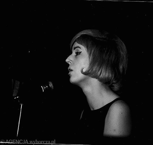 Wanda Warska podczas koncertu w 1963 r.