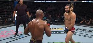 Boooom! Co za nokaut w walce wieczoru UFC! Ukarał go straszliwie [WIDEO]