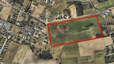Teren na Morasku, na którym firma Konimpex Invest chce wybudować osiedle z ok. 250 lokalami