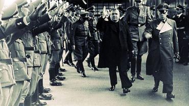 Joachim von Ribbentrop, minister spraw zagranicznych III Rzeszy (pierwszy z prawej) podejmuje w Salzburgu księdza prezydenta Jozefa Tisę. Był lipiec 1940 r. Niemcy dopiero co pokonały Francję i wydawało się, że są u szczytu swej potęgi