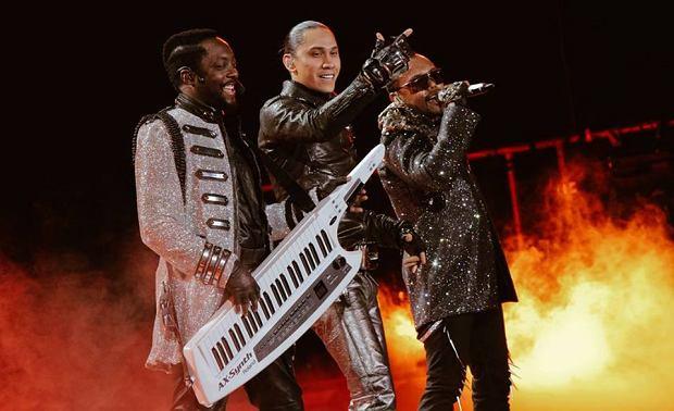 The Black Eyed Peas jako trio.