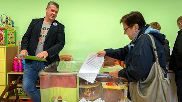Wybory samorządowe, lokal Obwodowej Komisji Wyborczej nr 32 w Zabrzu