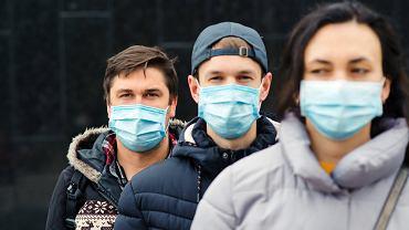 Ci, którzy przechodzą koronawirusa  bezobjawowe 'niosą taką samą ilość wirusa' jak chorujący na COVID-19