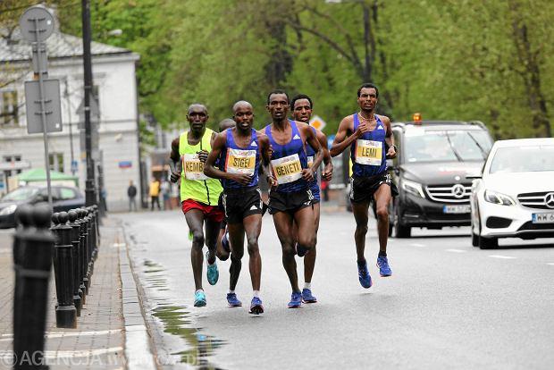 26.04.2015  Warszawa . Warsaw Orlen Marathon.    Fot. Kuba Atys / Agencja Gazeta SLOWA KLUCZOWE: /FR/
