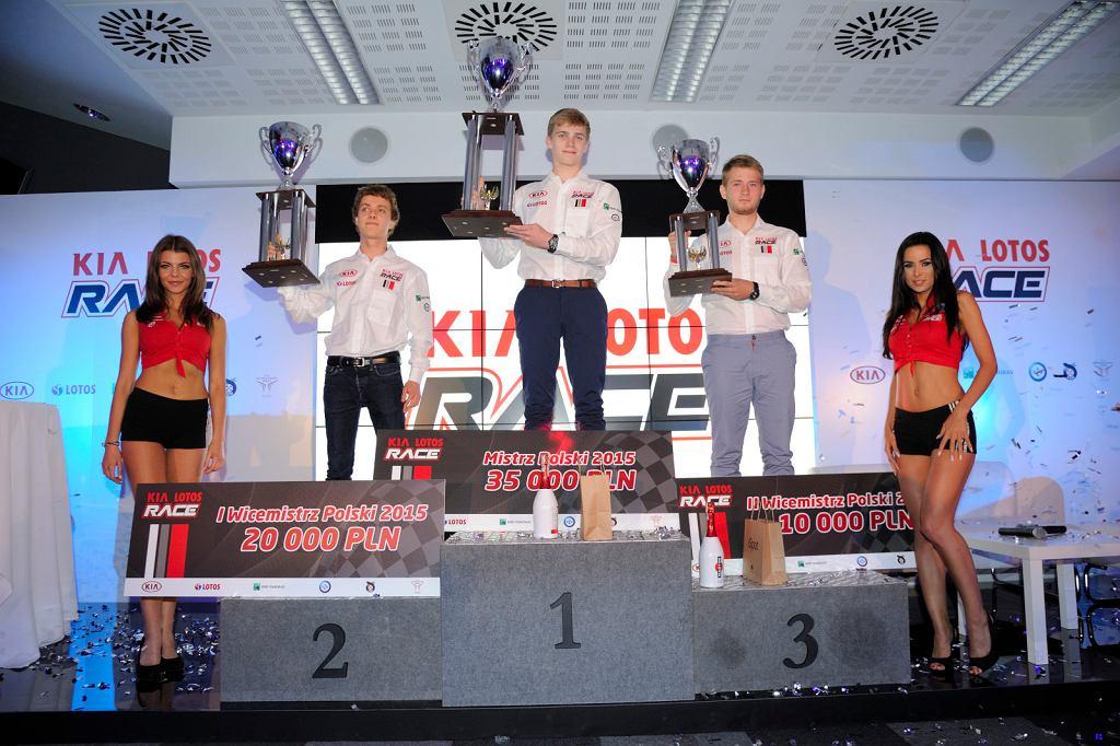 KIA LOTOS RACE - The Show must go on!