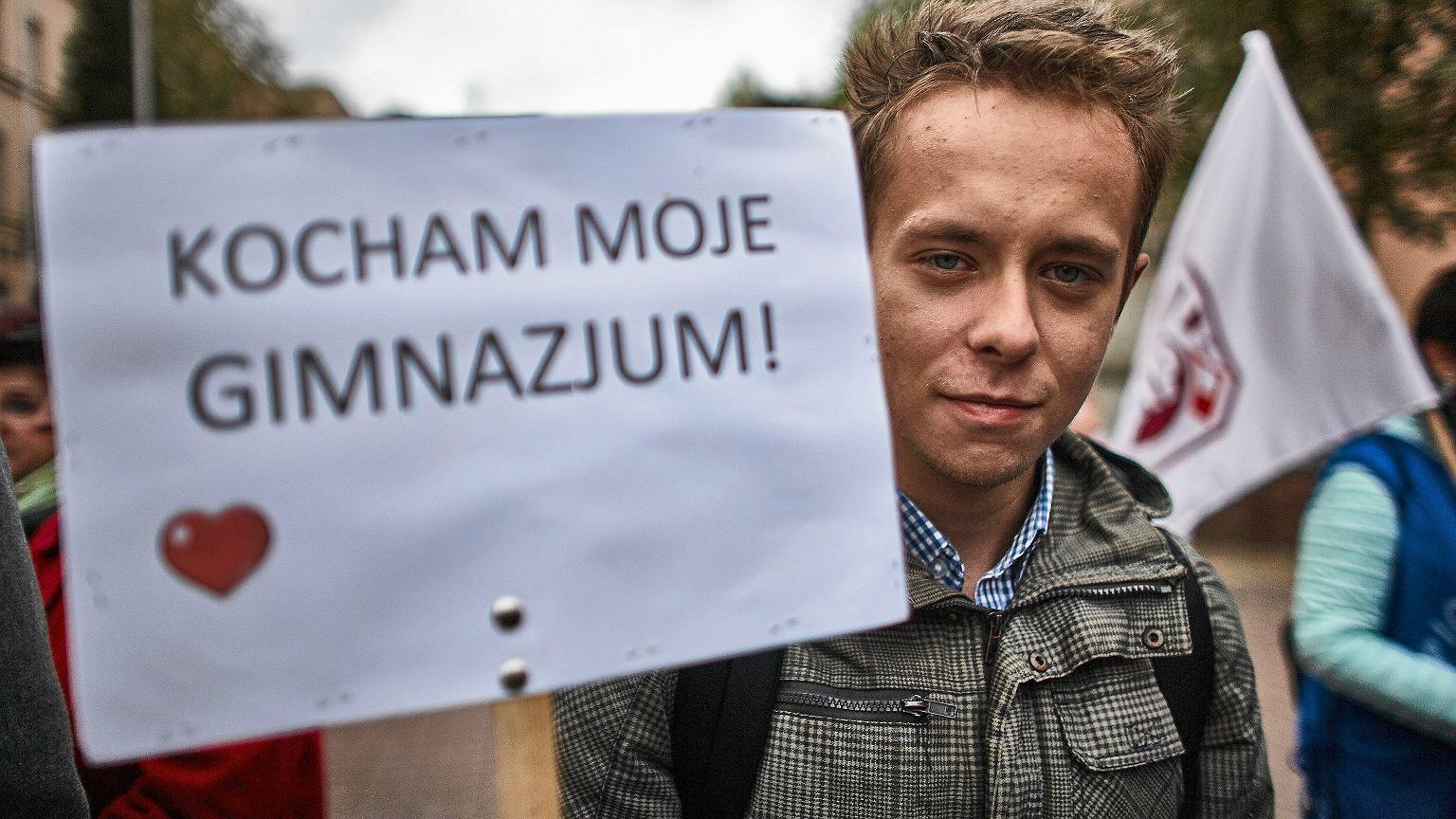 Reforma edukacji. Protest przeciwko likwidacji gimnazjów