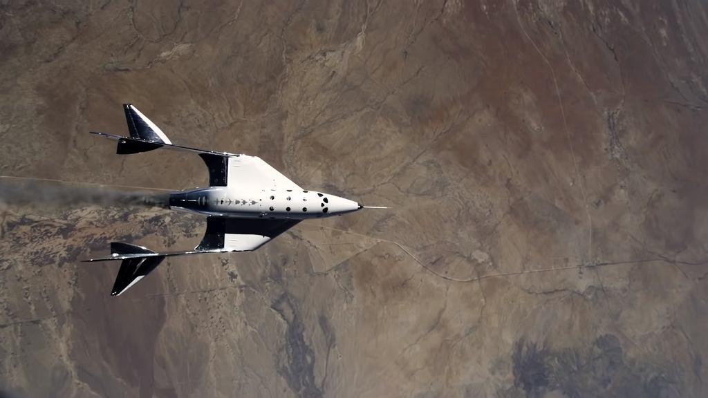 Samolot kosmiczny VSS Unity firmy Virgin Galactic podczas lotu w maju 2021 roku