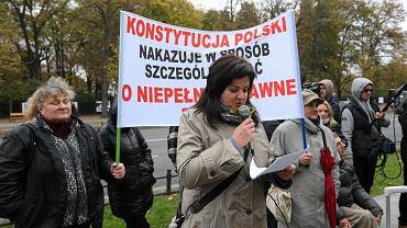 Protest rodziców dzieci niepełnosprawnych pod Kancelarią Prezesa Rady Ministrów