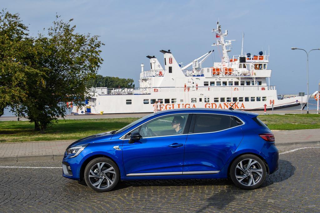 Renault wprowadza do sprzedaży hybrydy E-Tech