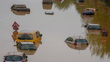 Erftstadt, 17 lipca 2021 r. Skutki powodzi w Niemczech (zdjęcie ilustracyjne)