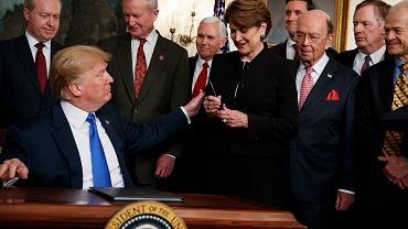 22.03.2018, Biały Dom, prezydent Donald Trump po podpisaniu memorandum nakładającego cła i ograniczenia inwestycyjne na Chiny.
