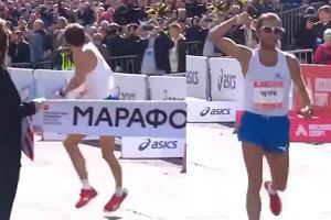 """""""Haniebne zwycięstwo i zachowanie"""". Rosyjski maratończyk swoim gestem upokorzył rywala"""