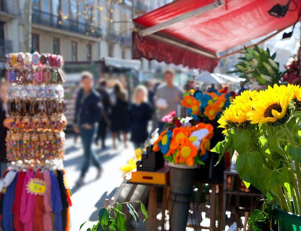 Barcelona nazywana jest stolicą kieszkonkowców, a najwięcej ich grasuje po pełnej turystów Las Ramblas