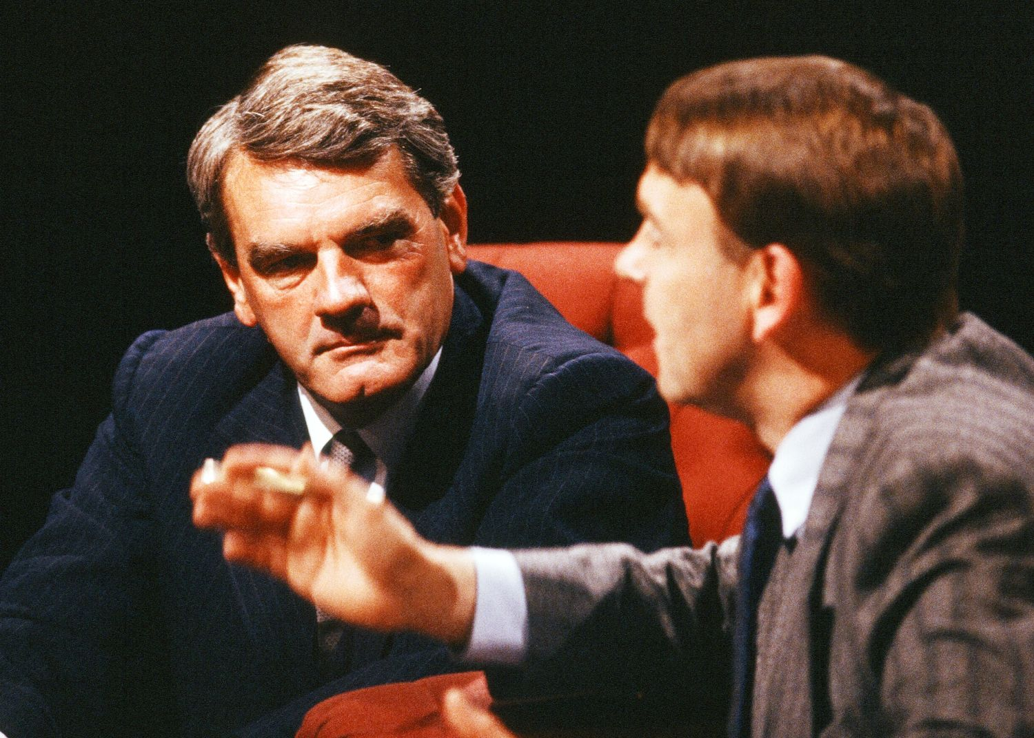 David Irving w programie After Eight w 1988 roku (fot. Wikimedia Commons)