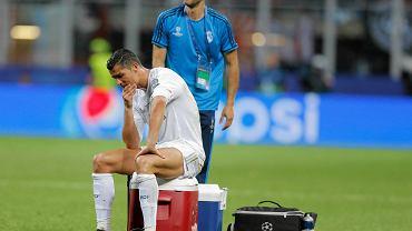 Cristiano Ronaldo cierpiał w finałowym meczu z Atletico, ale w decydującym momencie wziął całą odpowiedzialność na siebie. Strzelił decydującego karnego i zapewnił Realowi jedenasty Puchar Mistrzów. Zobaczcie jak cierpiał Portugalczyk w mediolańskim finale!