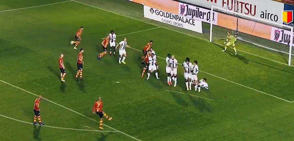 Kosmiczny rzut wolny w lidze belgijskiej