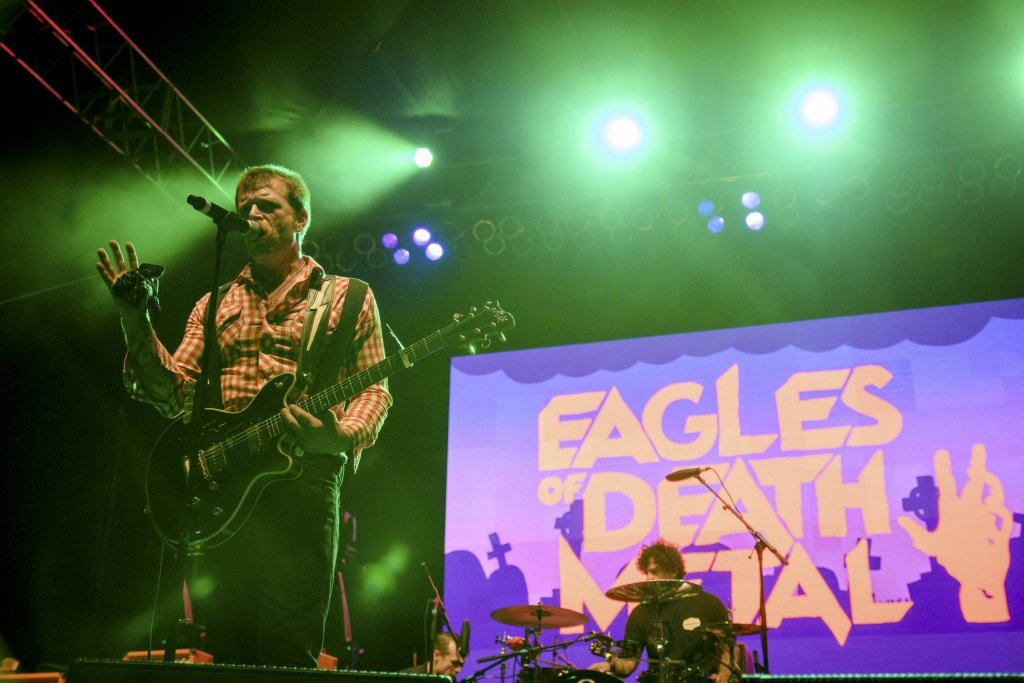 Jesse Hughes z Eagles of Death Metal podczas koncertu w Los Angeles