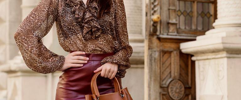 Z tymi eleganckimi bluzkami stworzysz piękne stylizacje na święta i nie tylko. Nas urzekła ta szyfonowa w kwiaty!