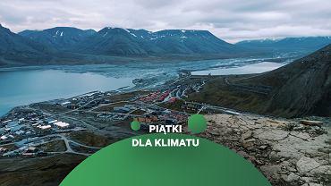 Spitsbergen, archipelag Svalbard. Widok na Longyearbyen z Plataberget