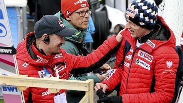 Adam Małysz i Rafał Kubacki podczas serii kwalifikacyjnej na skoczni HS 130 na Mistrzostwach Świata w narciarstwie klasycznym w Seefeld w Austrii.