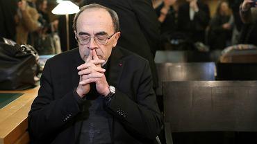 Papież Franciszek nie przyjął dymisji kardynała Philippe Barbarin, który został skazany przez sąd za niezgłoszenie organom ścigania przypadku pedofilii