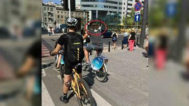 Kot jeździł rowerem Veturilo w Warszawie