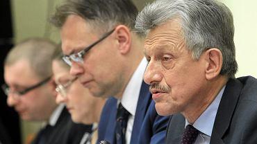 Poseł Stanisław Piotrowicz podczas posiedzenia komisji ustawodawczej