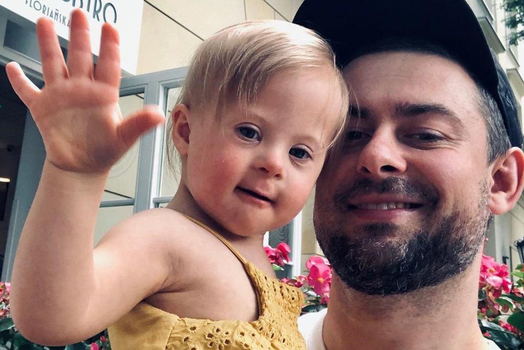 Bartek Królik z córką