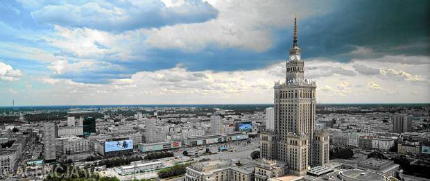 Reprywatyzacja w Warszawie. Biznesmen kupuje działki na placu Defilad