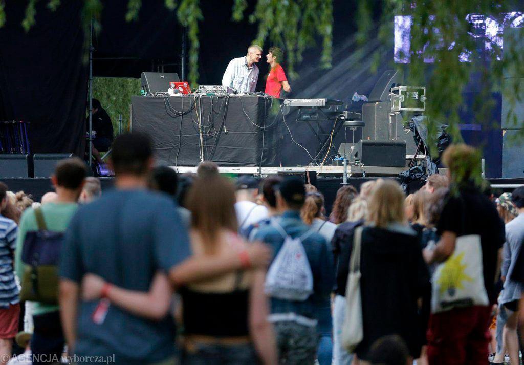 Sienkiewicz i Masecki na scenie T-Mobile Electronic Beats na OFF Festivalu 2016 / DAWID CHALIMONIUK