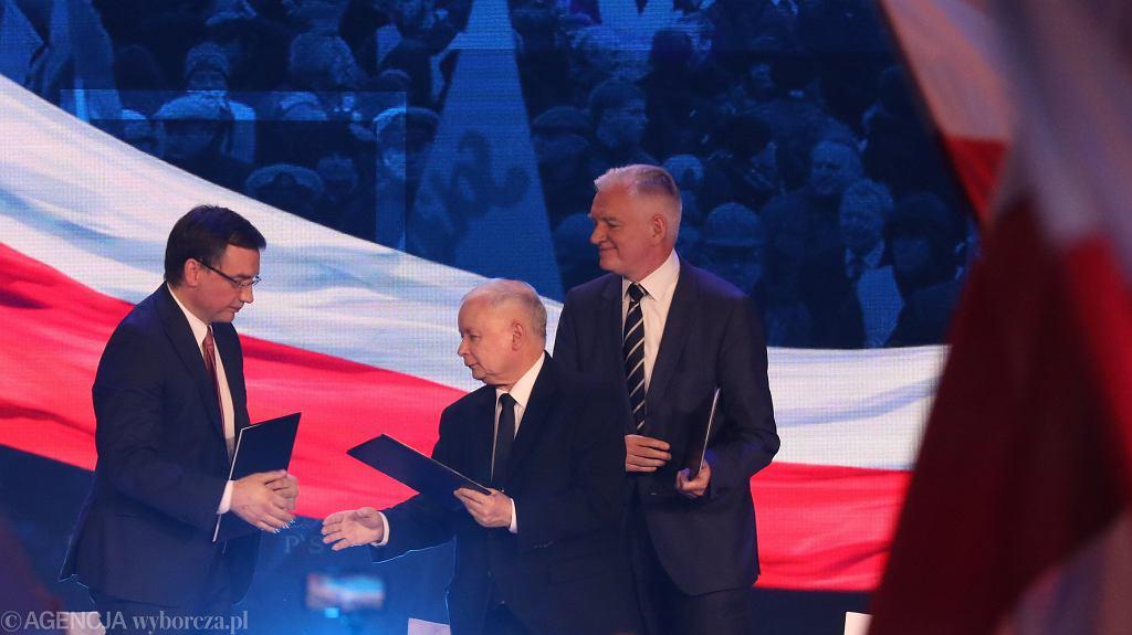 Zbigniew Ziobro, Jarosław Kaczyński i Jarosław Gowin podczas Konwencji PiS, 02.09.2018.