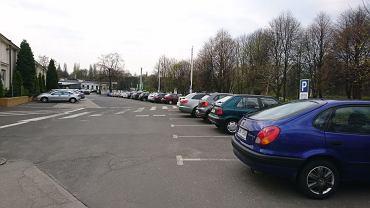 Pierwsze 'centrum przesiadkowe' w Katowicach. Kierowcom bardzo się podoba parking po Almie