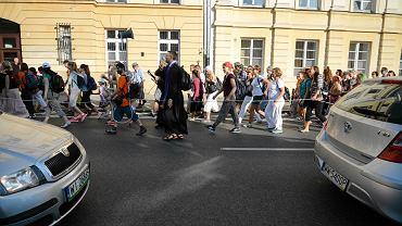 Wyjście pielgrzymki akademickiej z Warszawy