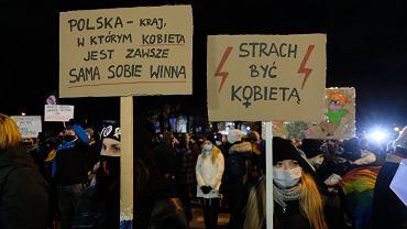Demonstracja pod Sejmem
