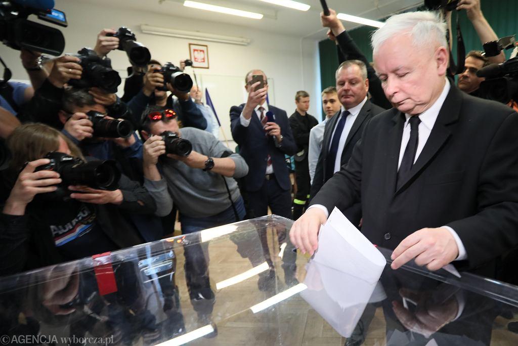 Wybory do Sejmu odbędą się na jesieni. Sondaż CBOS daje przewagę PiS