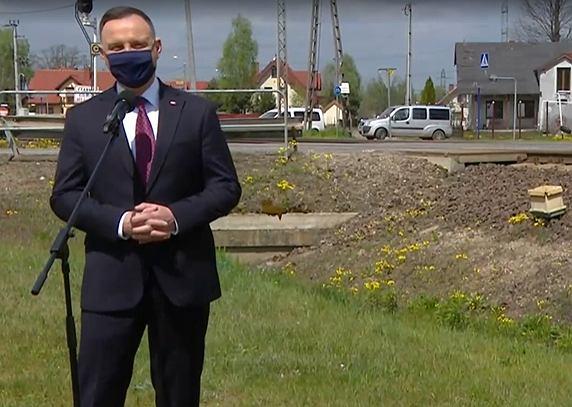 Andrzej Duda wygłasza oświadczenie