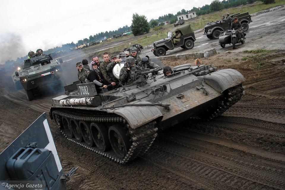 Miłośnicy Militariów W święto Wojska Polskiego Zaczynają