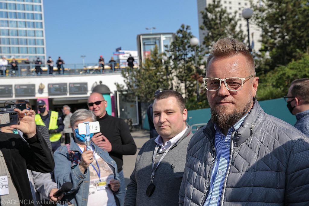 Protest przedsiębiorców na rondzie Dmowskiego