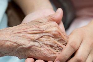 Twardzina układowa - przyczyny, objawy, leczenie