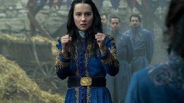 Jessie Mei Li jako Alina Starkov w serialu 'Cień i kość'