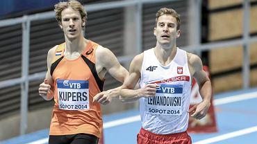 Halowe Mistrzostwa Świata Sopot 2014. Z prawej Marcin Lewandowski