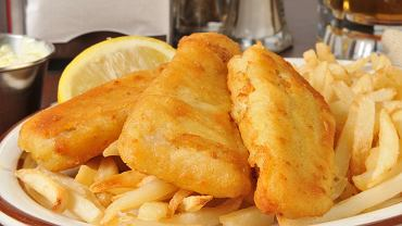 6Closeup,Of,Beer,Battered,Fish,Sticks,With,French,Fries
