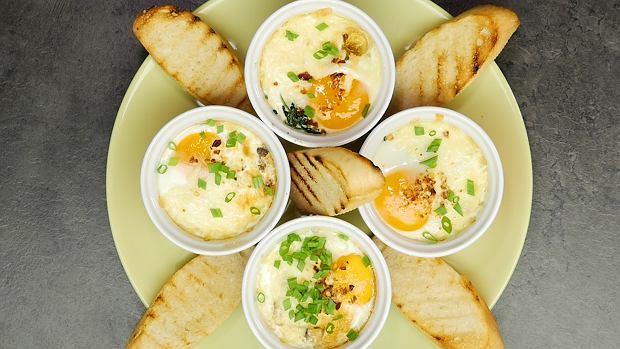 Weekendowe, zapiekane jajka w kokilkach