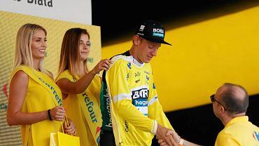 Piąty etap tegorocznego Tour de Pologne był ostatnim w województwie śląskim. W Bielsku-Białej najszybciej finiszował Słoweniec. Kolarze wrócili w środę do ścigania na poważnie. Wtorkowy etap był bowiem hołdem dla Belga Bjorga Lambrechta, który zmarł w wyniku obrażeń po upadku na trasie poniedziałkowego etapu. Etap z Wieliczki do Bielska-Białej zakończył się finiszem z grupy. Nie był to jednak klasyczny finisz, bowiem ostatnie kilkaset metrów trasy wznosiło się ku górze. Najwięcej sił zachował Mezgec. Liderem wyścigu pozostał Niemiec Pascal Ackermann. W czwartek etap z Zakopanego do Kościeliska.