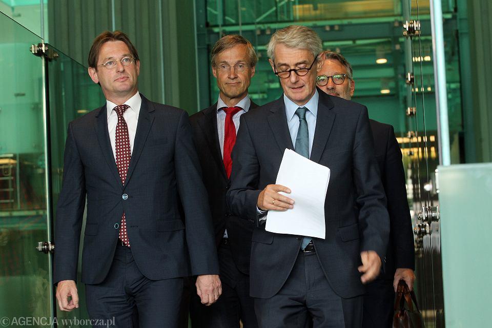 Od lewej prezydent Europejskiej Sieci Rad Sądownictwa (ENCJ), wiceprezes holenderskiej Rady Sądowniczej Kees Sterk, prezes SN Holandii Maarten Feteris, Michał Laskowski, Przedstawiciel Rady Konsultancyjnej Sędziów Europejskich przy Radzie Europy (CCJE) Marc de Werd.