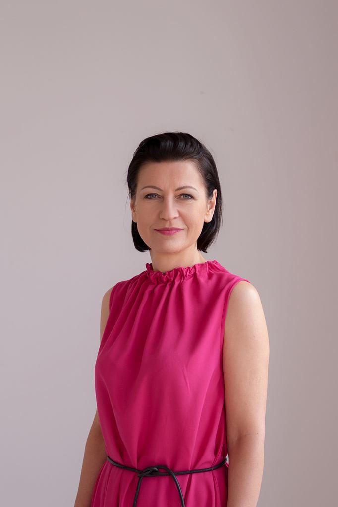 Marta Mazurek - radna miasta Poznania, specjalistka ds. polityki równości i różnorodności w Gabinecie Marszałka Województwa Wielkopolskiego, w latach 2016-2018 pełnomocniczka prezydenta Poznania ds. równego traktowania.