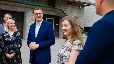 Premier Mateusz Morawiecki promuje Polski Ład wśród rolników
